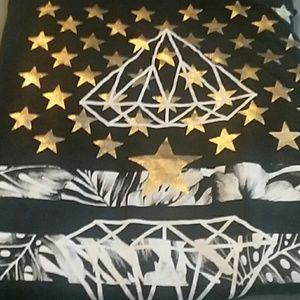 Shirts - Black graphic tee with diamonds and stars